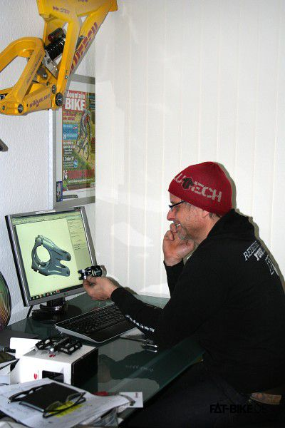 Passt! Jürgen beim Entwickeln. (Quelle: Jürgen)