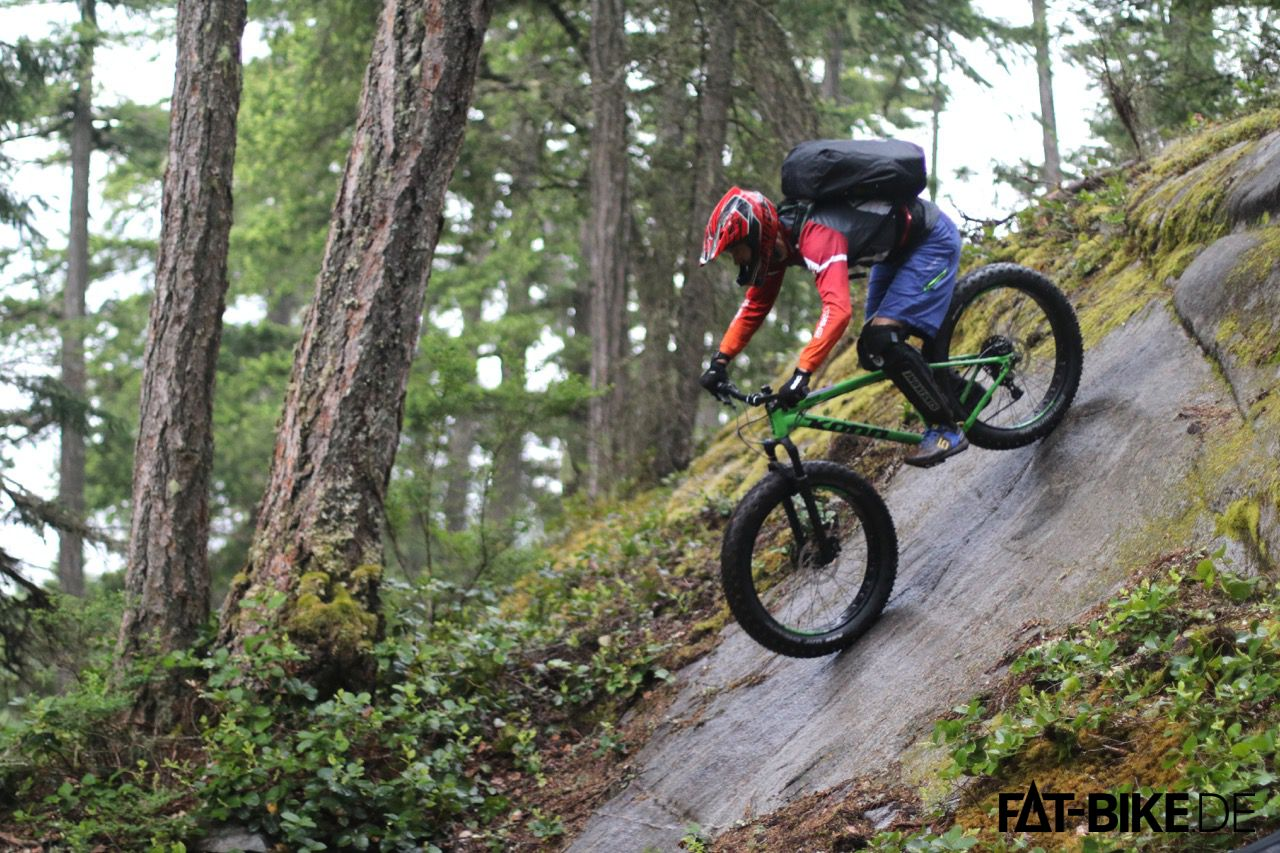 Kona FATBike Wozo am Eingang des Treasure Trail in Squamish