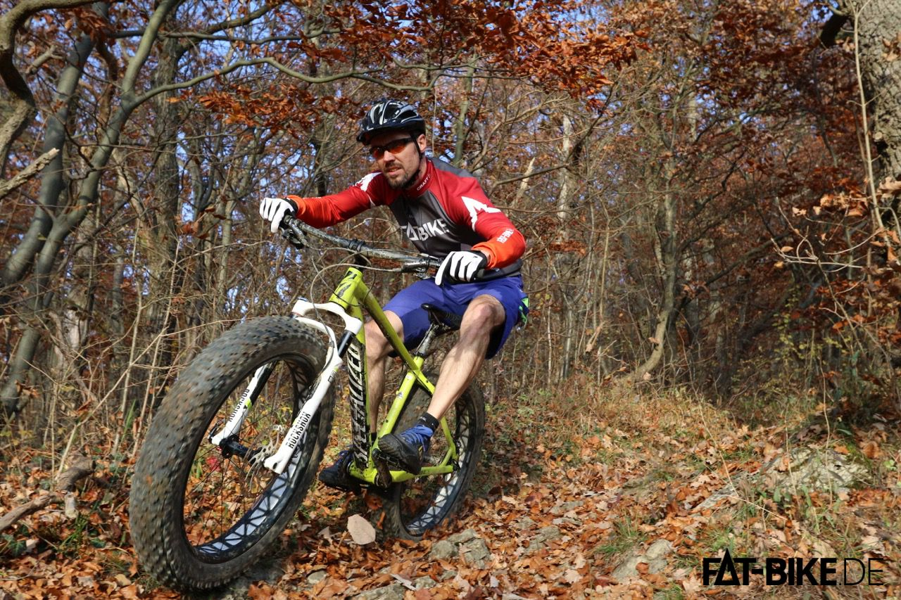 FAT-Bike.de Trikot in leuchtenden Farben.