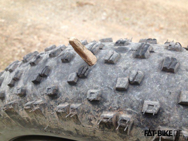 Was Kryptonit für Superman ist ein Holzbalken für einen FATBike Reifen... (Quelle: M. Schön)