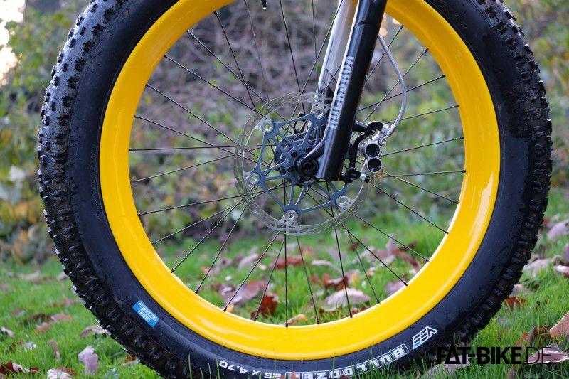Schlauchlos, sehr leicht, FAT und Gelb. Laufräder mit Mextie Felgen. (Quelle: Andre V.)