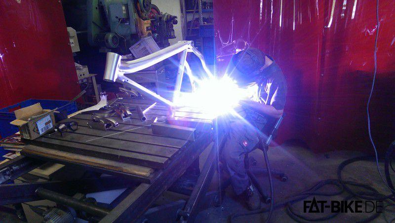 Nichts geht über Selbstgebratenes: MAXX Prototypenbau in Rosenheim (Quelle: MAXX)