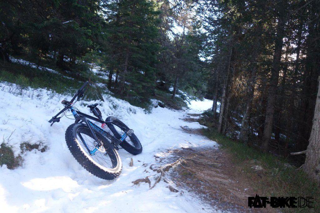 Verschneite Trails auf der Winter Transalp von Tom
