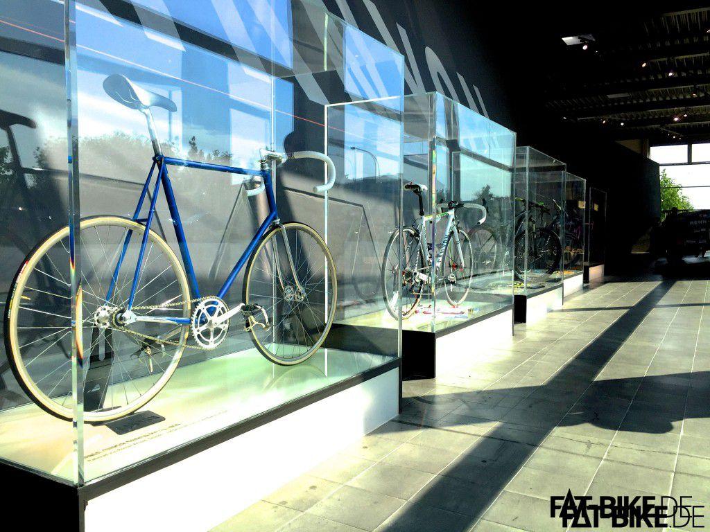 Die ersten Canyon Bikes im Showroom