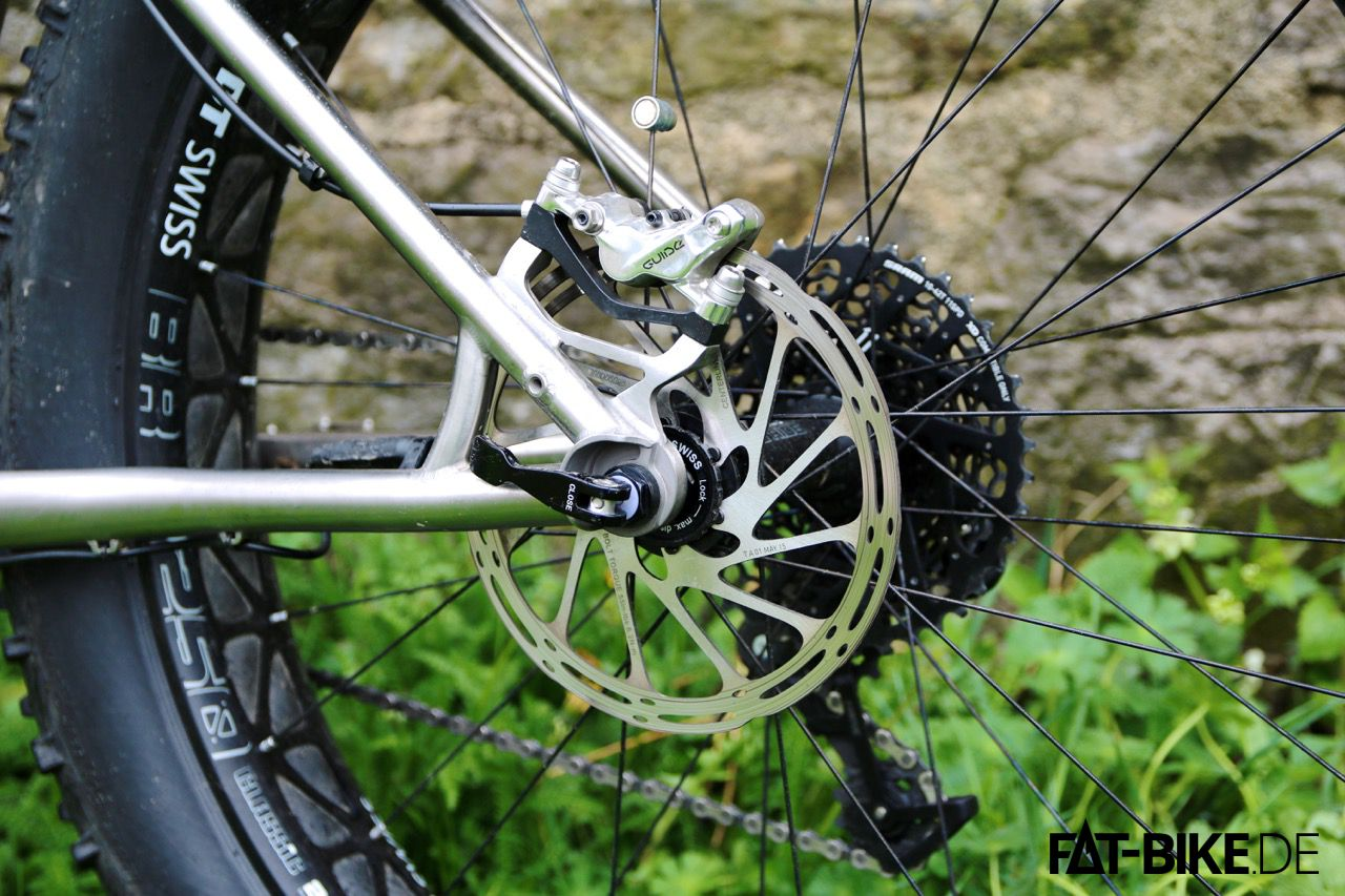 SRAM Guide RSC in polished silver am E-LOM Titan 4point8