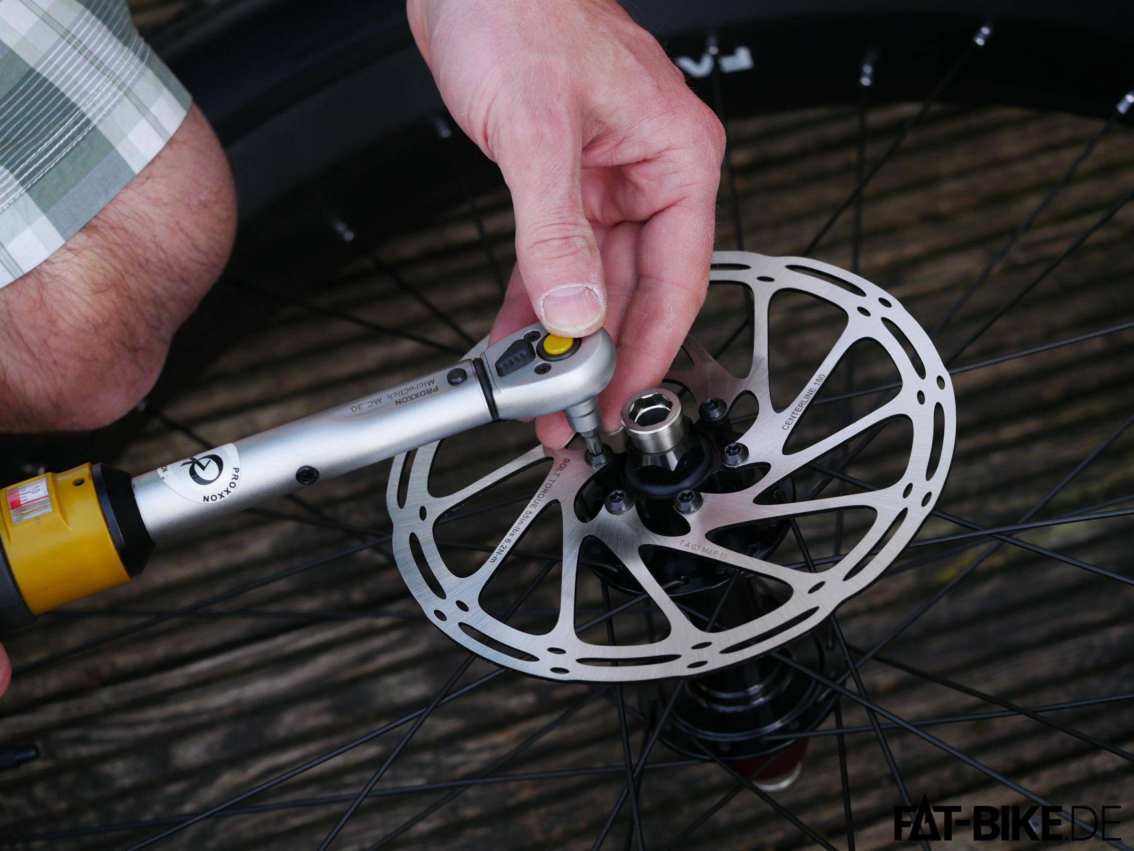 3 Bremsscheibe montieren Drehmoment
