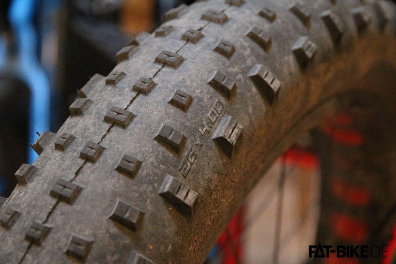 Schmaler, aber dennoch erwachsener FATBIke Reifen: Jumbo Jim 4.0