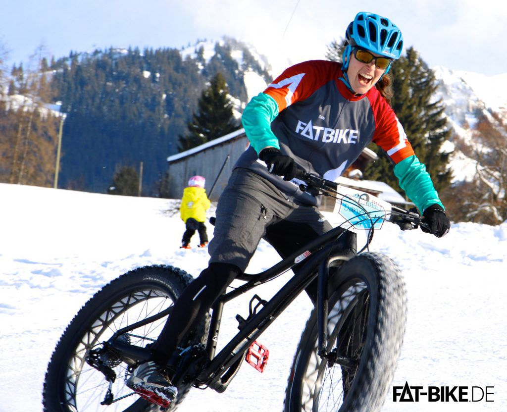 Daniela spielt FAT im Schnee!