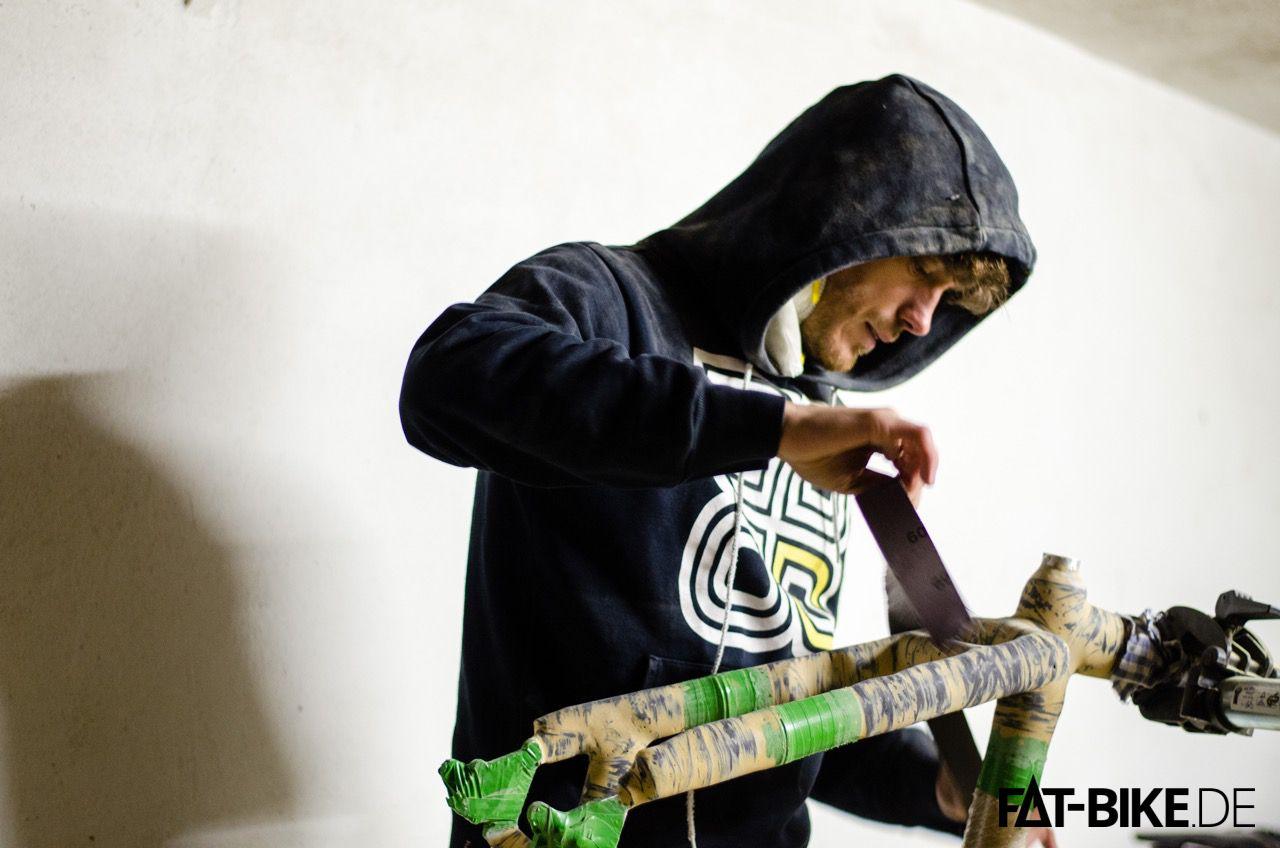 Fast geschafft, FATBike-Rahmen aus Bambus steht