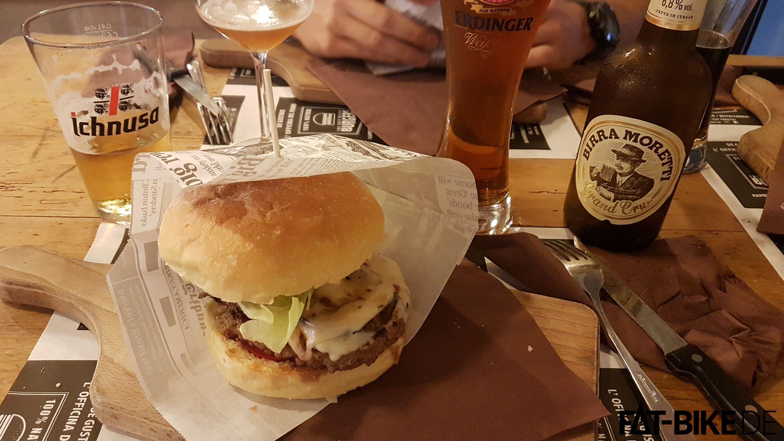 Juicy, dieser Burger. Und erst noch das Bier dazu... Jetzt kriegt ihr sicher alle Hunger und Bock auf Bier?!
