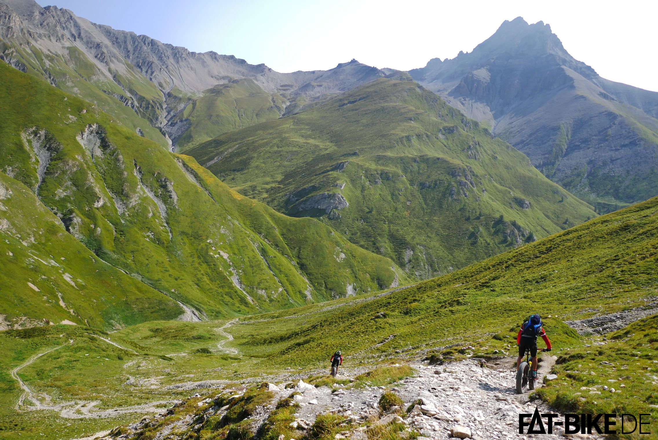 Packender Trail vom Fimberpass hinunter ins Tal