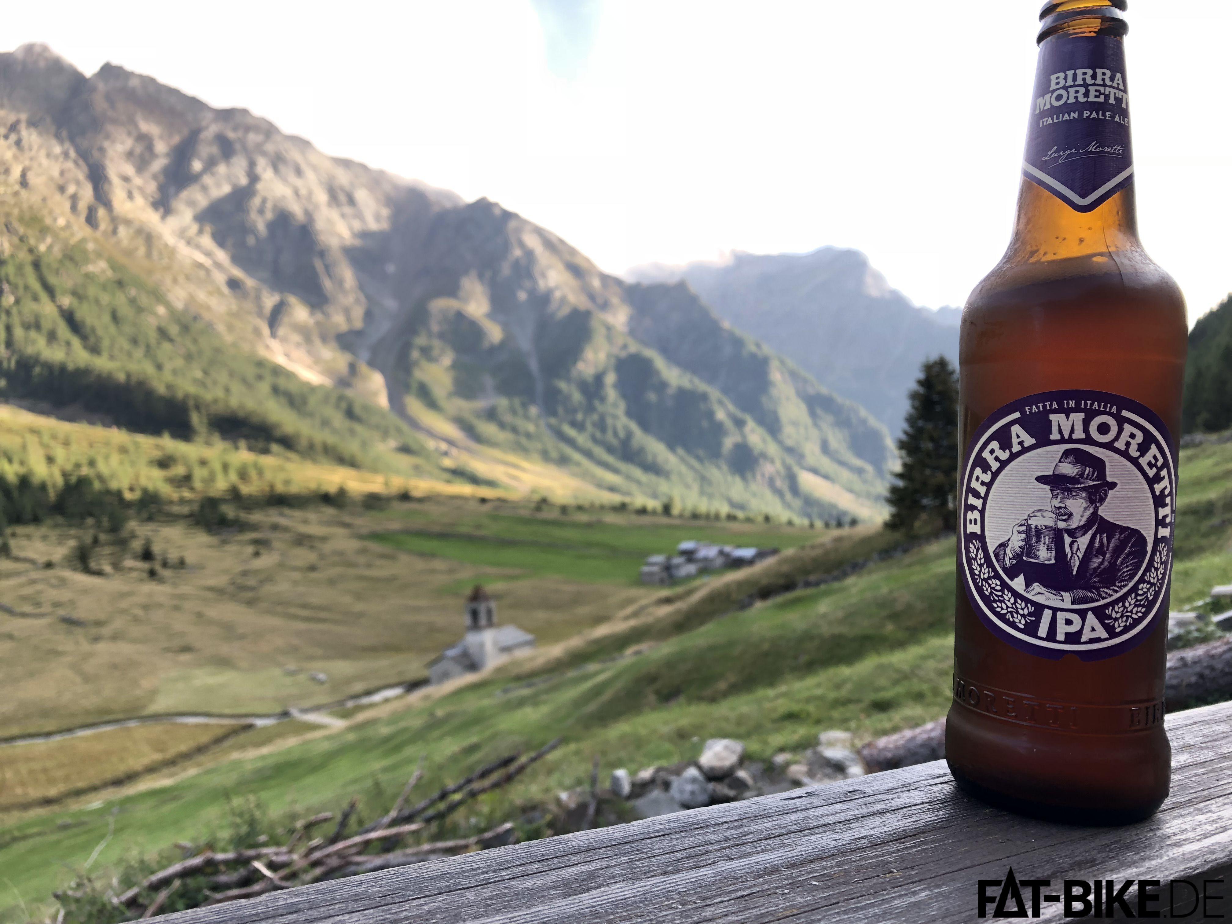 Bier zur Ankunft auf La Baita. Schöner kann es kaum werden.