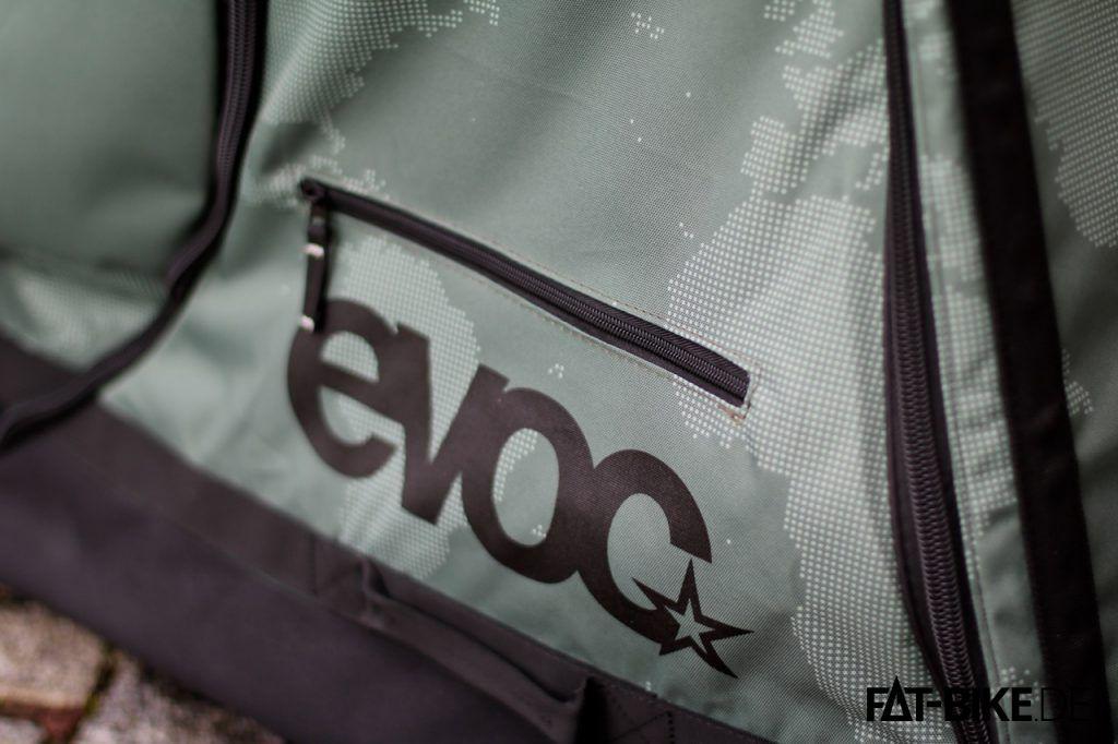 Von außen zugängliche Reißverschlusstasche am Bike Travel Bag XL