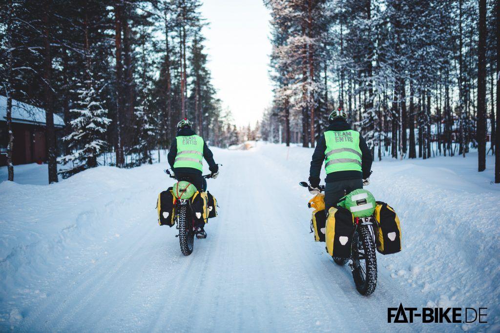 Natur, Wald und Schnee, und von allem reichlich. (Foto by Luca)