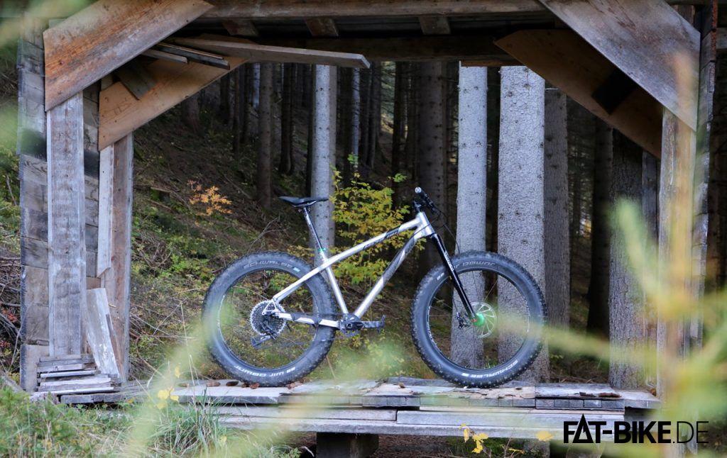 Fühlt sich wohl im Wald: WREN Upside Down Federgabel für FATBikes.