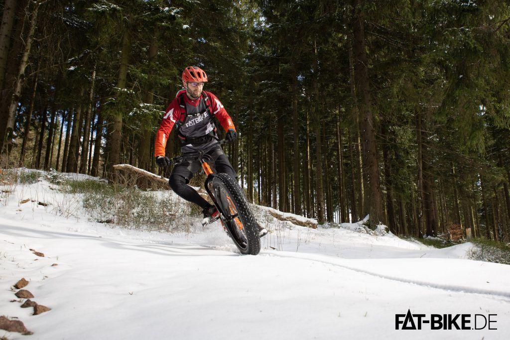 Panaracer FAT B Nimble sind kein Hinderniss für einen kontrollierter Drift im Schnee
